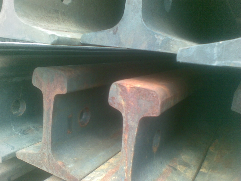Рельсы железнодорожные Р-65, 1-я группа износа, 12.5м. с отв.  ТХ ЦПТ-80350 на складе.