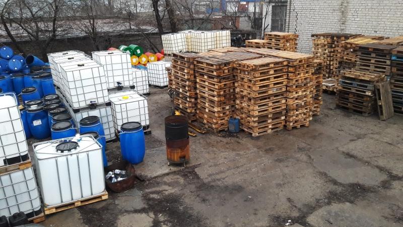 Европоддоны деревянные, бочки пластиковые. Евротара-Харьков