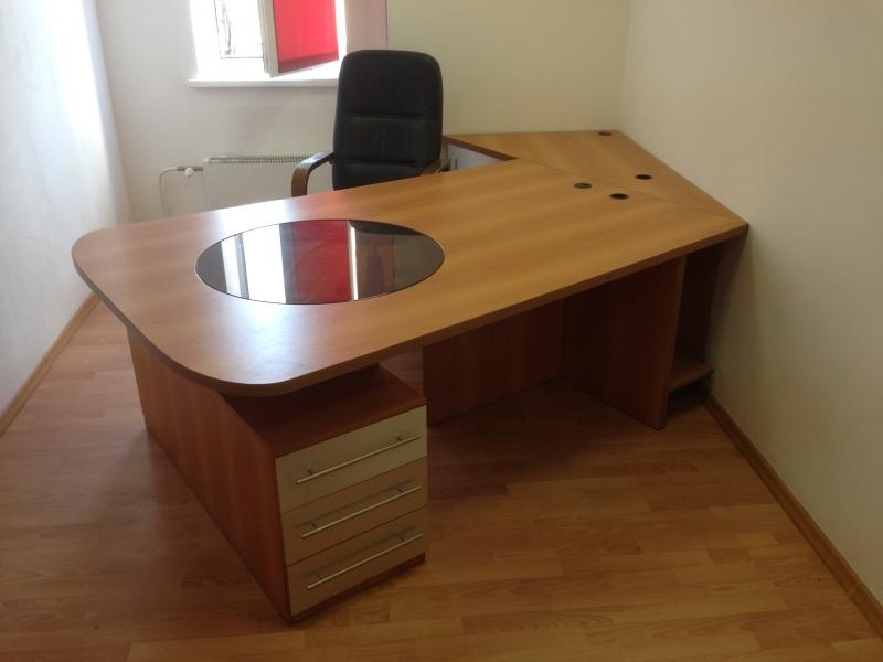 Классная офисная мебель