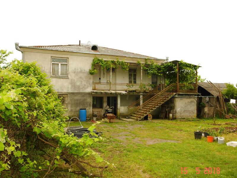 Предлагаю купить большой дом в Абхазии с мандариновым садом
