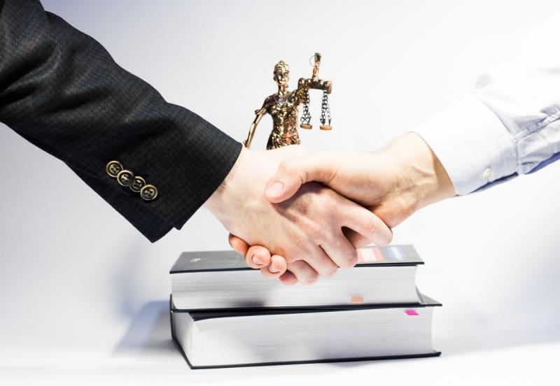 Компания предлагает следующий набор юридических, бухгалтерских и налоговых услуг